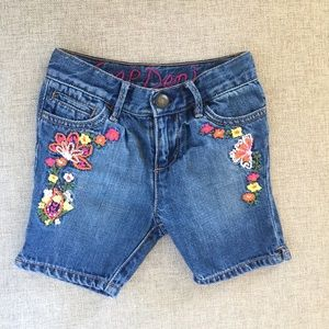 GAP Little Girl Embroidered Denim Jean Shorts Sz3t